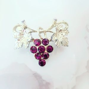 Purple and Gold Tone Vintage Grape Pinup Brooch